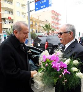 ulgur-erdoganla-cicek-veriyor-20150314-canakkale-04-belediye